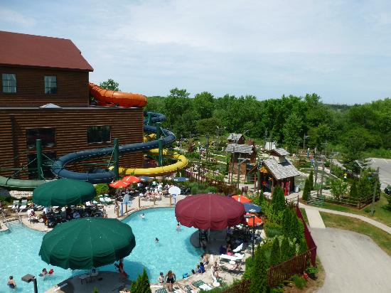 Great Wolf Lodge: Outdoor pool/waterpark area