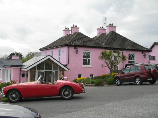 Seafield Farmhouse B&B: Pink Elephant