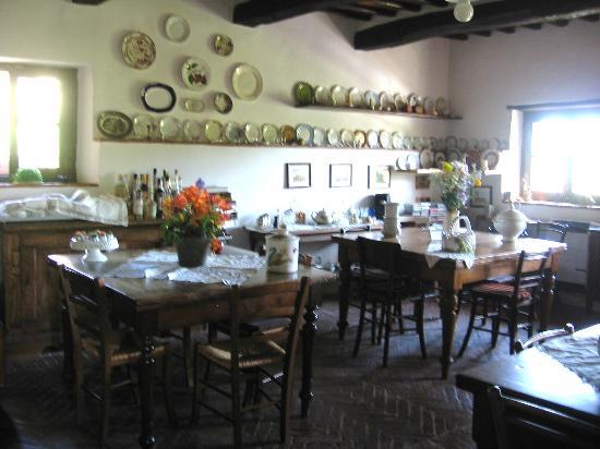 Casale Il Caggio: The main dining room