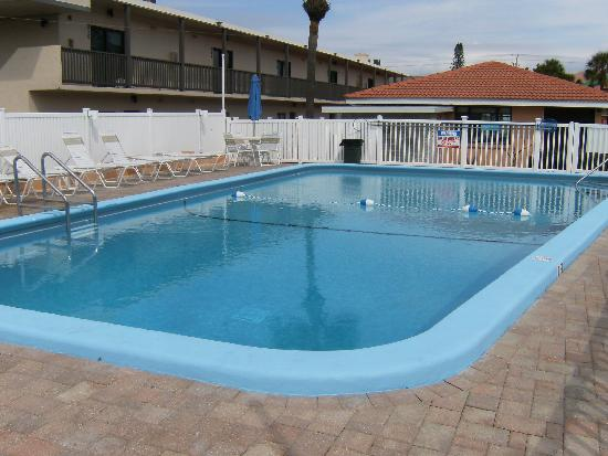 Gulf Beach Resort Motel: Our newly renovated pool