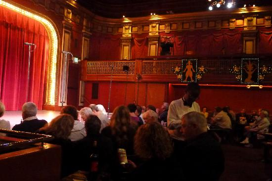 Beach Blanket Babylon The Stage And Aunce Intimate Theatre