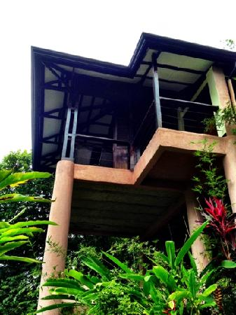 TikiVillas Rainforest Lodge & Spa : View of the front of our villa