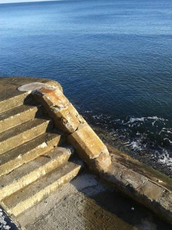 Tynemouth, UK: Clear blue sea