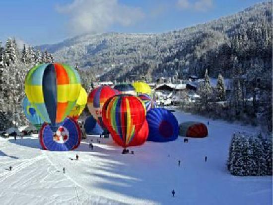 Residhotel Athena : Les Carroz balloon festival