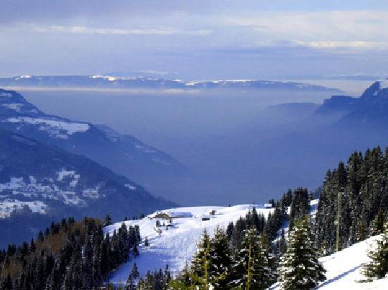Residhotel Athena : Skiing at Les Carroz
