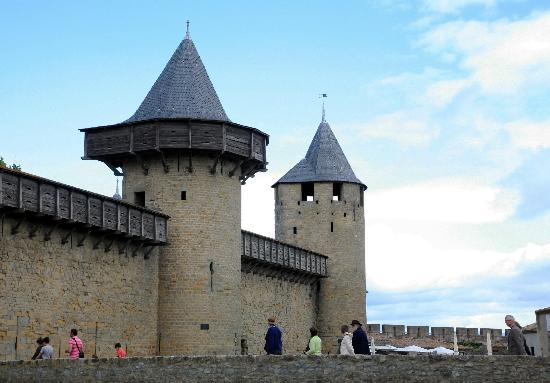 Ophorus Toulouse Sightseeing Day Tours: Castle town of Carcassonne