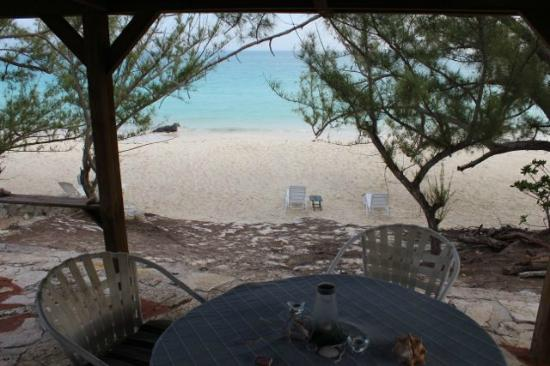 Pigeon Cay Beach Club: Our cottage's outside dining area