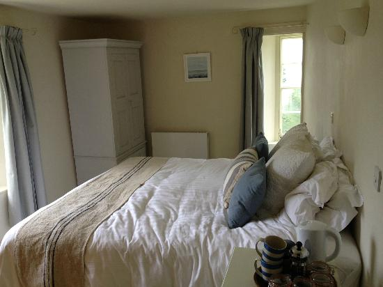 Lower Greenway Farm: Bedroom 1