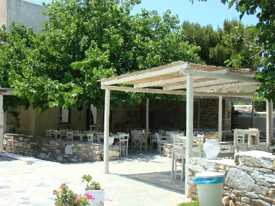 Anezina Village: Outside dining area near reception and pool