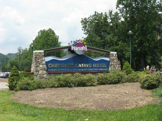 Harrah's Cherokee Hotel: sign