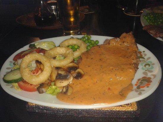 The Racehorse Inn : peppered sirloin