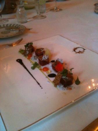 The Cloister : Seared Tuna