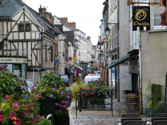 Provins France  City pictures : rue du centre ville Picture of Provins, Ile de France TripAdvisor