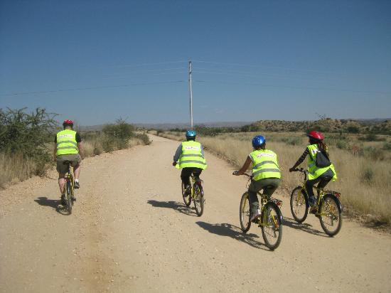 Katu Tours : Off on two wheels!