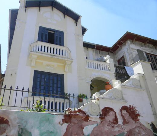 Casalegre Art Vila B&B - Santa Teresa: Façade of Casalegre with the painting of local artist Arjan
