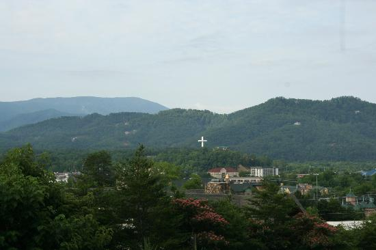 Mountain View Condos at Pigeon Forge: View from balcony