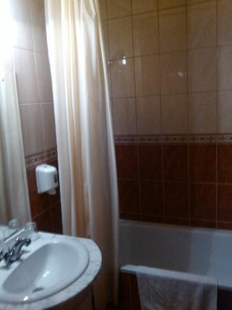 Hotel Ferihegy : Bath
