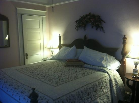 Southern Wind Inn: comfy rooms