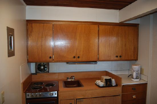 Queen Ann Motel: Kitchenette