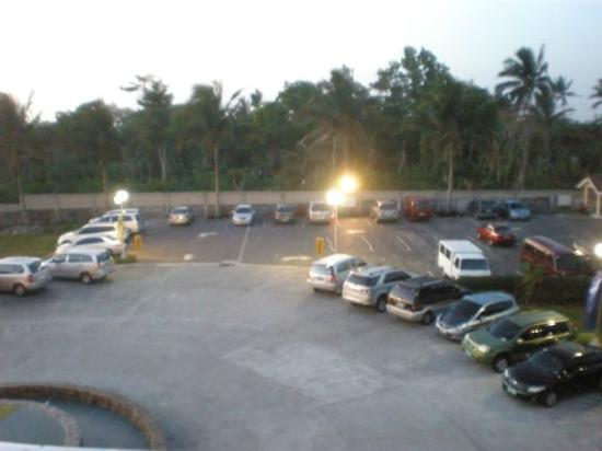 Hotel Kimberly: Parking area
