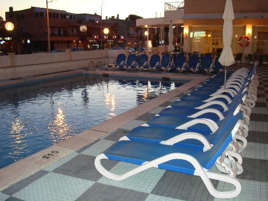 Africamar Aparthotel: pool