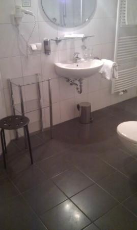 Landhotel & Restaurant Haringerhof: Bad Zimmer 18