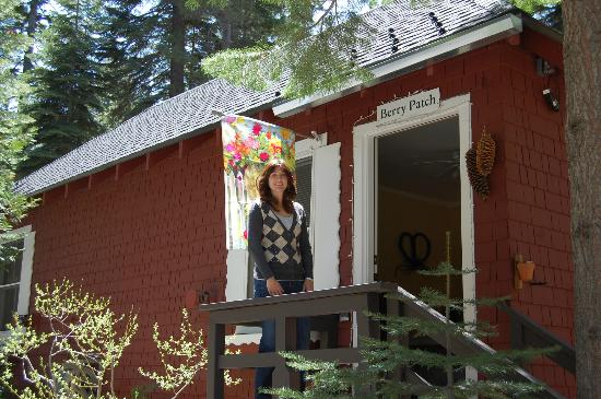 Tahoma Meadows B&B Cottages: Berry Patch