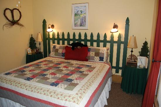 Tahoma Meadows B&B Cottages : Berry Patch