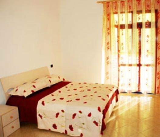 Hotel Zhironi