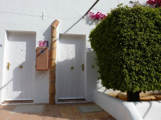 Club Calimera Es Talaial: entrada al apartamento