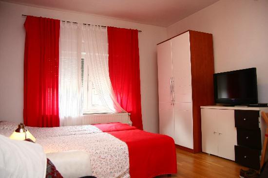 CelicArt Apartments