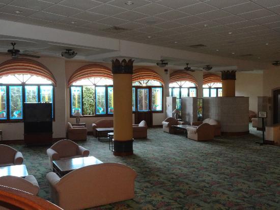 Aloe Hotel: Lobby