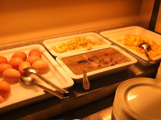 Pri Mraku Guesthouse: Breakfast