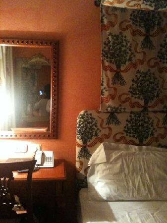 Hotel Vecchio Borgo: camera standard