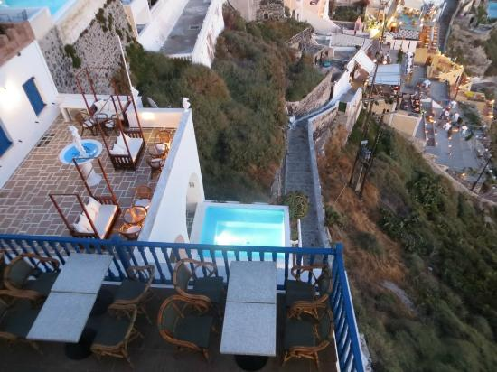 Kastro Suites Santorini: The view from the Kastro cafe