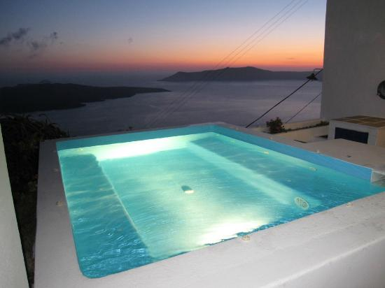 Kastro Suites Santorini: After the sun went down