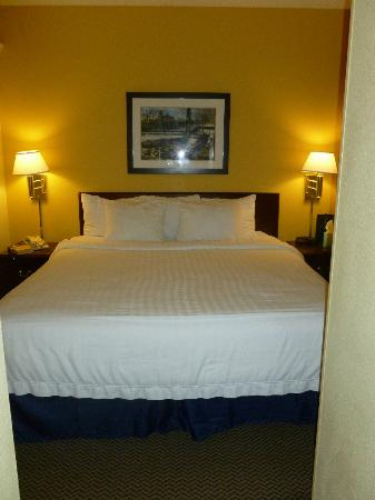 SpringHill Suites Milford: King Bed - view from Bathroom entrance