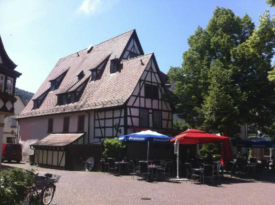 Hotel Restaurant Altes Badhaus : Hotel from across the square