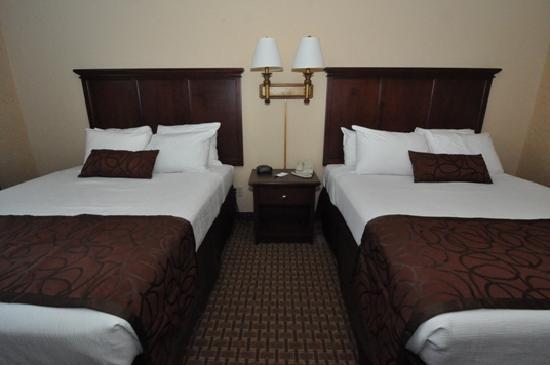 Grand Plaza Hotel Branson: Standard Two Queen Room
