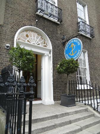 Anchor House Dublin: Front entrance to Anchor House