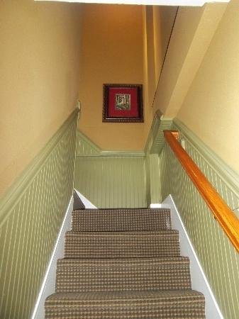 Church Street Inn: Internal suite steps between living and sleeping areas