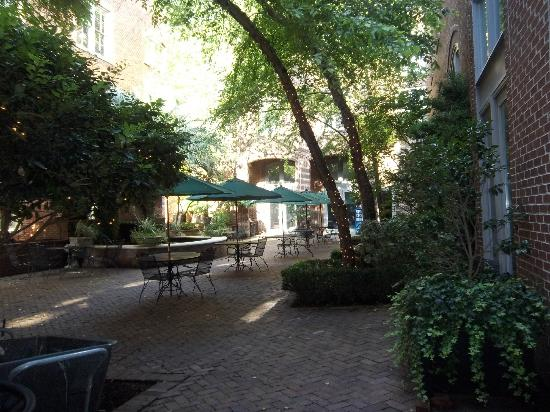 Church Street Inn: Courtyard