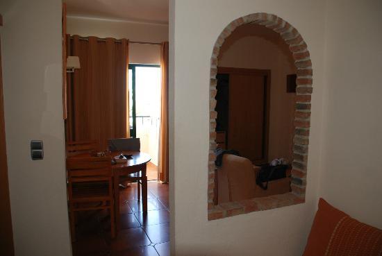 Aparthotel Olhos d'Agua: room