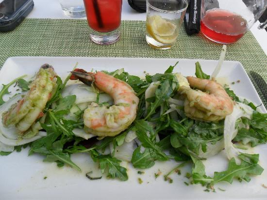 Terrace 5: coriander & lemon poached shrimp with salad greens with Mighty Leaf Pomegranate Berry Ice Tea