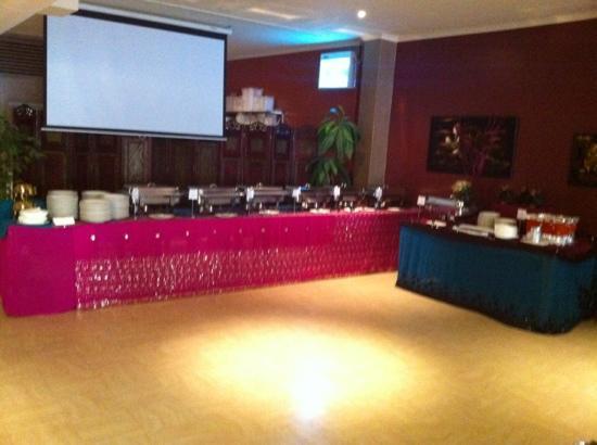 AAJ India Cafe & Restaurant: buffet at Aaj India