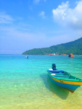 Perhentian Tuna Bay Island Resort: 酒店外的水上的士