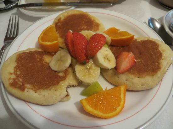 Dunroven B&B: My wife's pancake breakfast