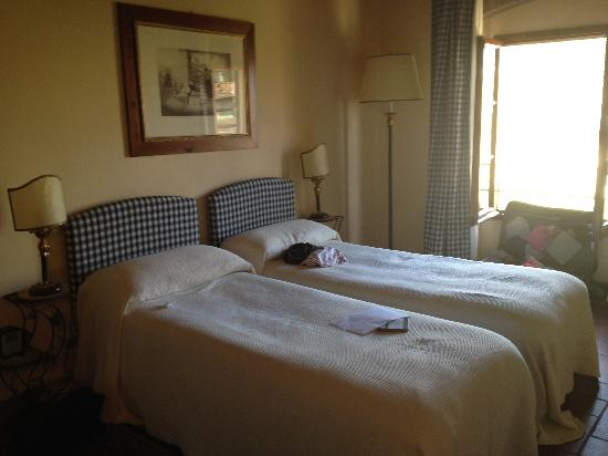 Relais Villa L'Olmo: one of the bedrooms