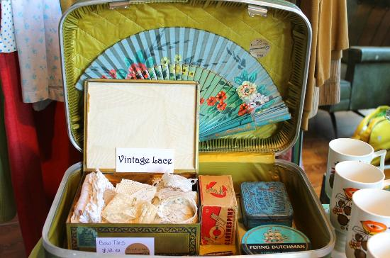 Portland Flea-for-All: Suitcase full of vintage wares