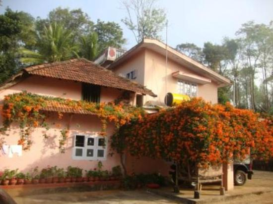 Coorg Home Stay - Vicky Niwas